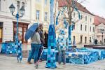 Az autizmus világnapja - Kék díszítés a győri Széchenyi t