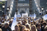 Egészségügyi dolgozók tüntetése - Õszintén az Egészségügyrõl Akc
