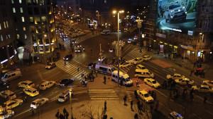 Taxistüntetés - Lezárták a tiltakozók a Bajcsy-Zsilinszky