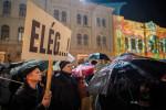 Tanárok iránti szolidaritási tüntetés Pécsen