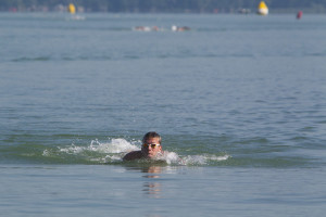 Márk Papp completes cross-Balaton swim of 5.2 kilometres in record time of 58 minutes and 30 seconds