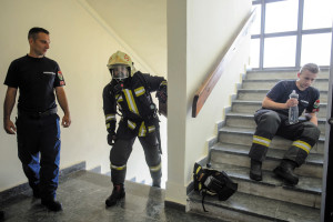 Stairwell run competition for firemen held in Budapest