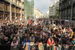 Demonstráció a Népszabadság megszüntetése és a korrupció