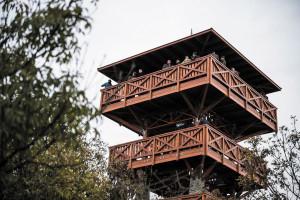 Átadták az Őrtorony kilátót Tihanyban