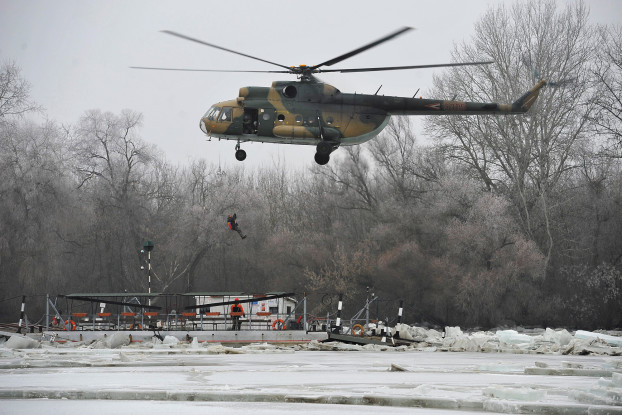 Man saved from ice-locked ferry on Tisza River