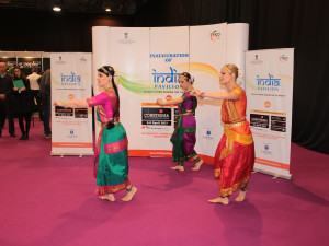 Indian dancing at Construma